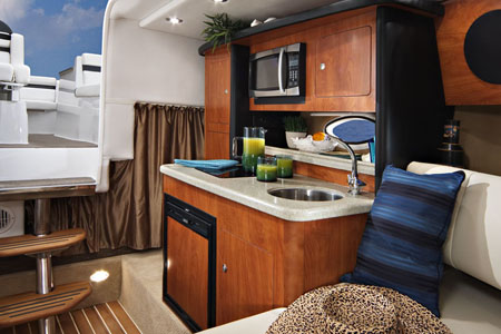 Express Cruiser 280 EC | Rinker veneet